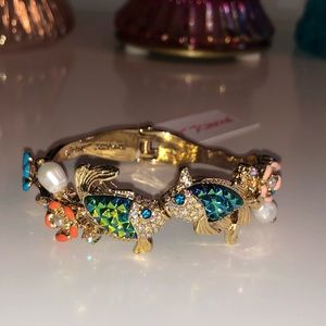 Betsey fish bangle